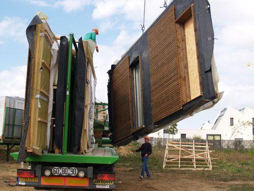arriv e des panneaux bois sur le chantier nouvelle maison pinterest panneau bois. Black Bedroom Furniture Sets. Home Design Ideas