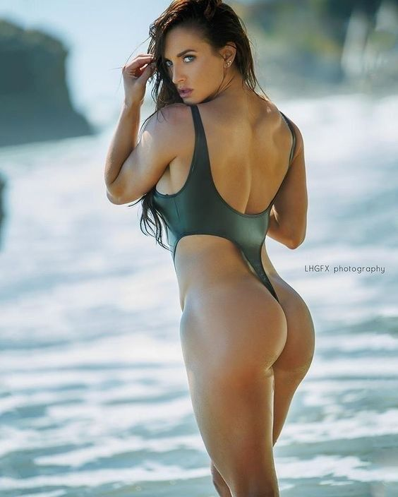 I find strong and fit women stunning to look at and am sharing some of my  favorites. I claim no.