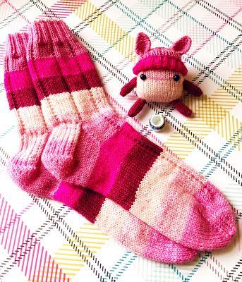 autumngeisha: everyone needs a sock buddy
