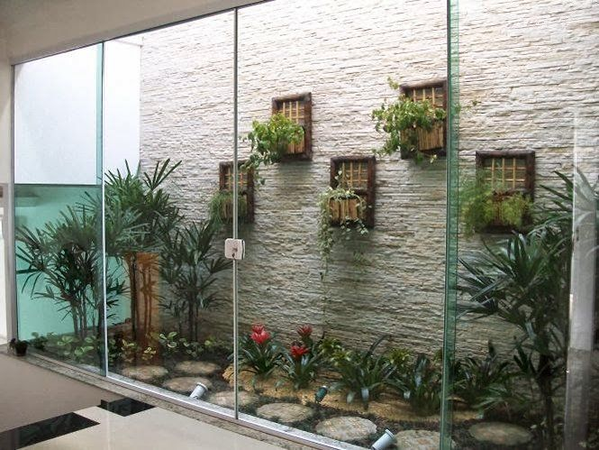 Jardim de Inverno Pequeno e Simples com cascata, paletes e pergolado ...