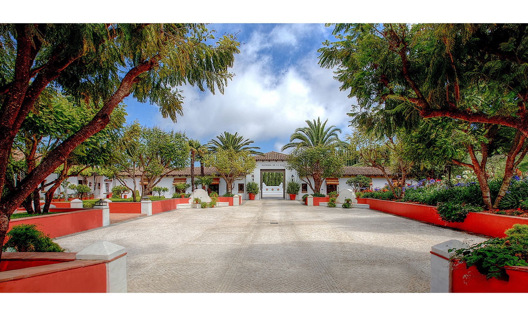 Pictures Hacienda De La Paz 53 Million Mansion Dujour Mansions Courtyard Entry Mansion Designs