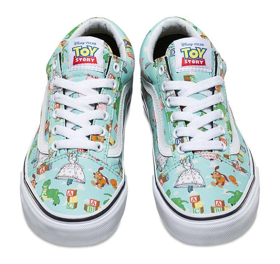 3df2d048391 A Vans resolveu enlouquecer os fãs da Disney criando uma coleção baseada no  filme Toy Story.
