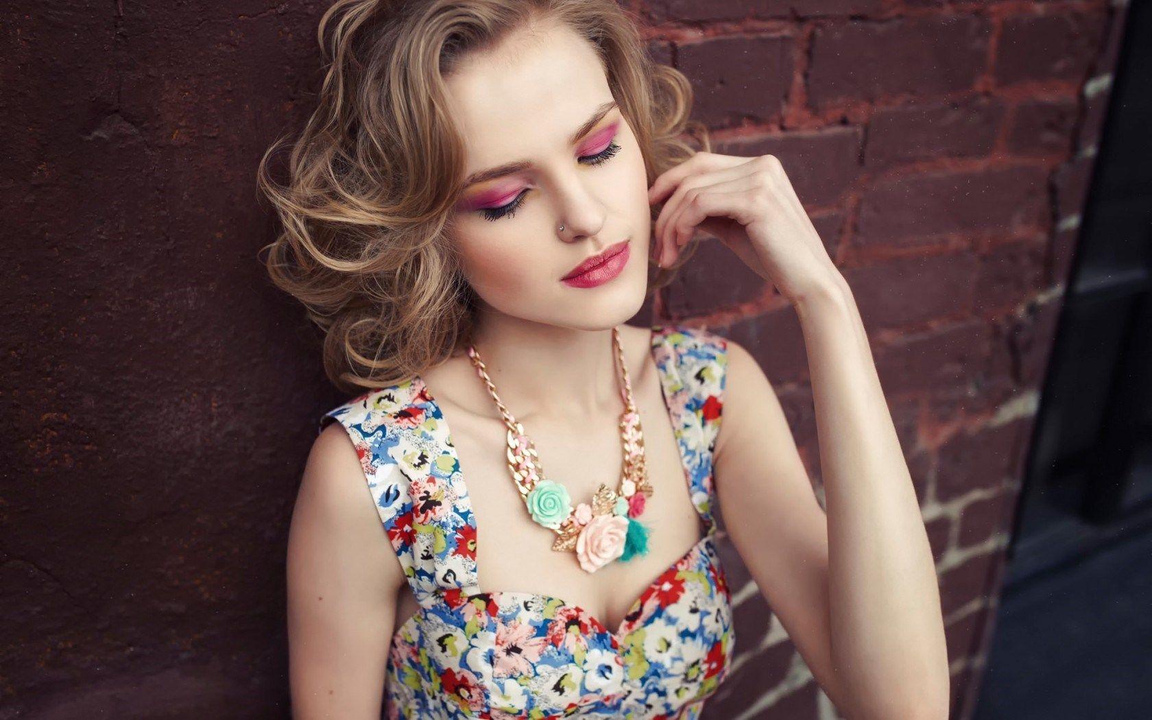 jewelry model | Photography-jewelry | Pinterest | Jewelry model ...