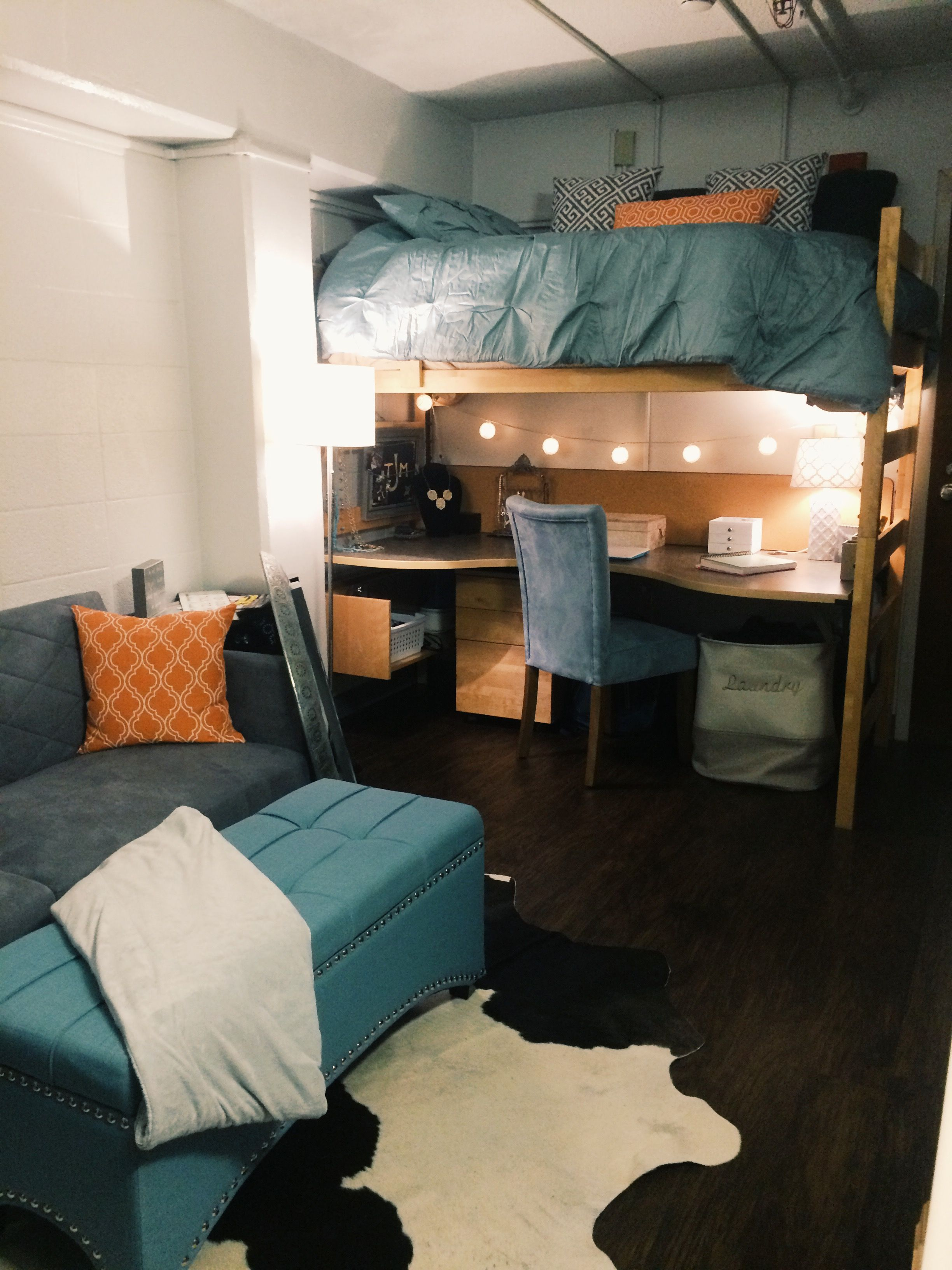 College Dorm Room Design: Other Half Of The Dorm Room In Morril Hall At The