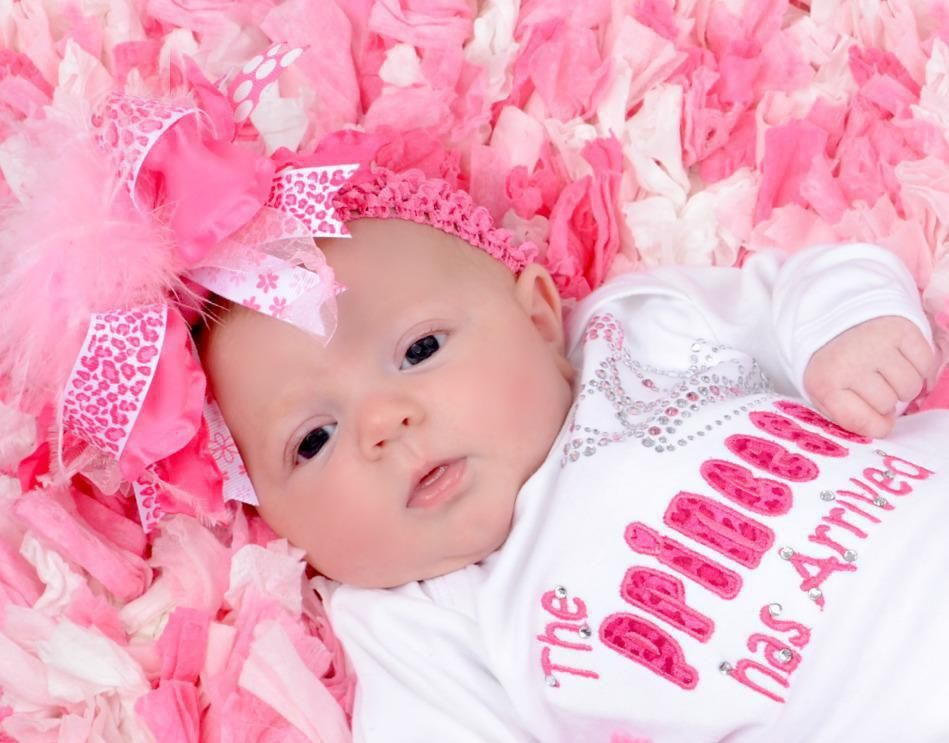 How to choose cute baby girl clothes | Baby gifts and cards ...