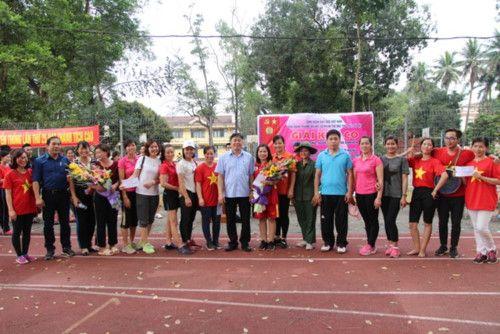 áo cờ đỏ sao vàng trường Đại Học Sư Phạm TDTT - Hình 7