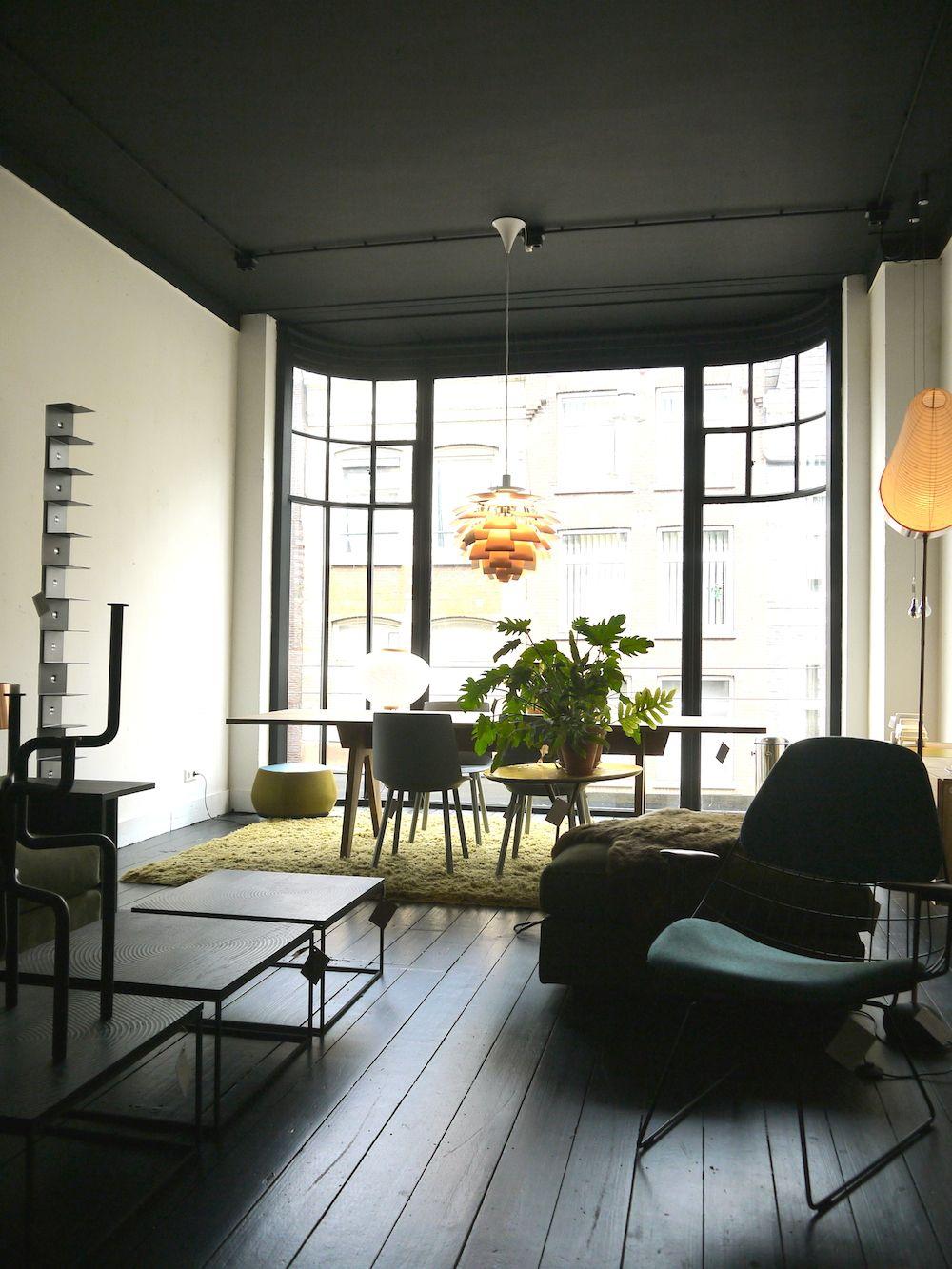 Zeer Zwarte houten vloer. Mobilia woonstudio Amsterdam | Wonen in 2019 &EY86