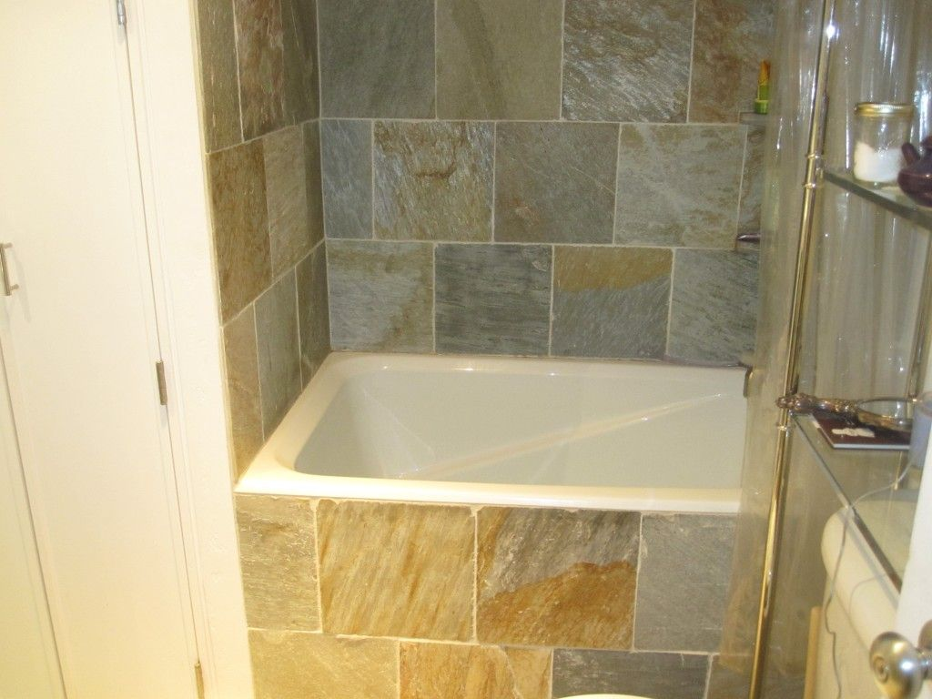 Kohler greek soaking tub google search master bathroom pinterest tubs small bathroom - Bathtub small space concept ...