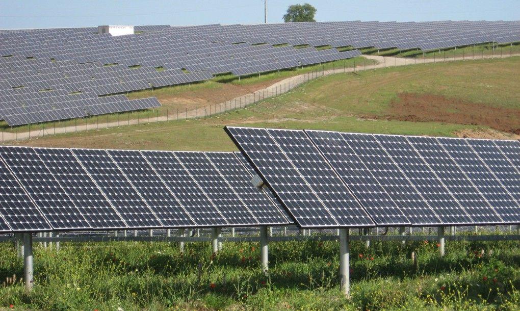 Portugal Powered By 100 Renewable Energy For Over Four Days Solar Solar Power Plant Solar Companies