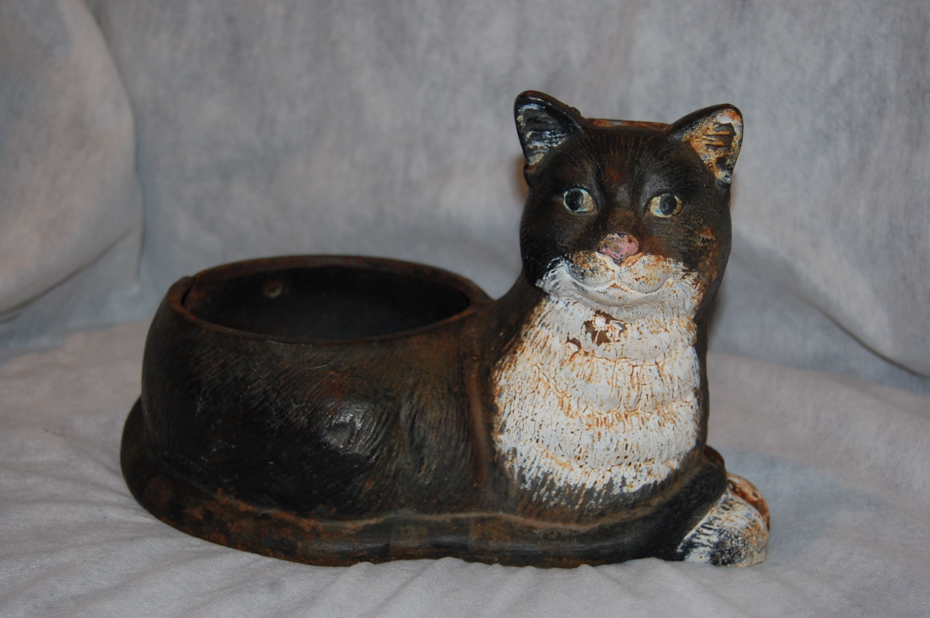 Cast iron kitty cat water food bowl holder dog bowls