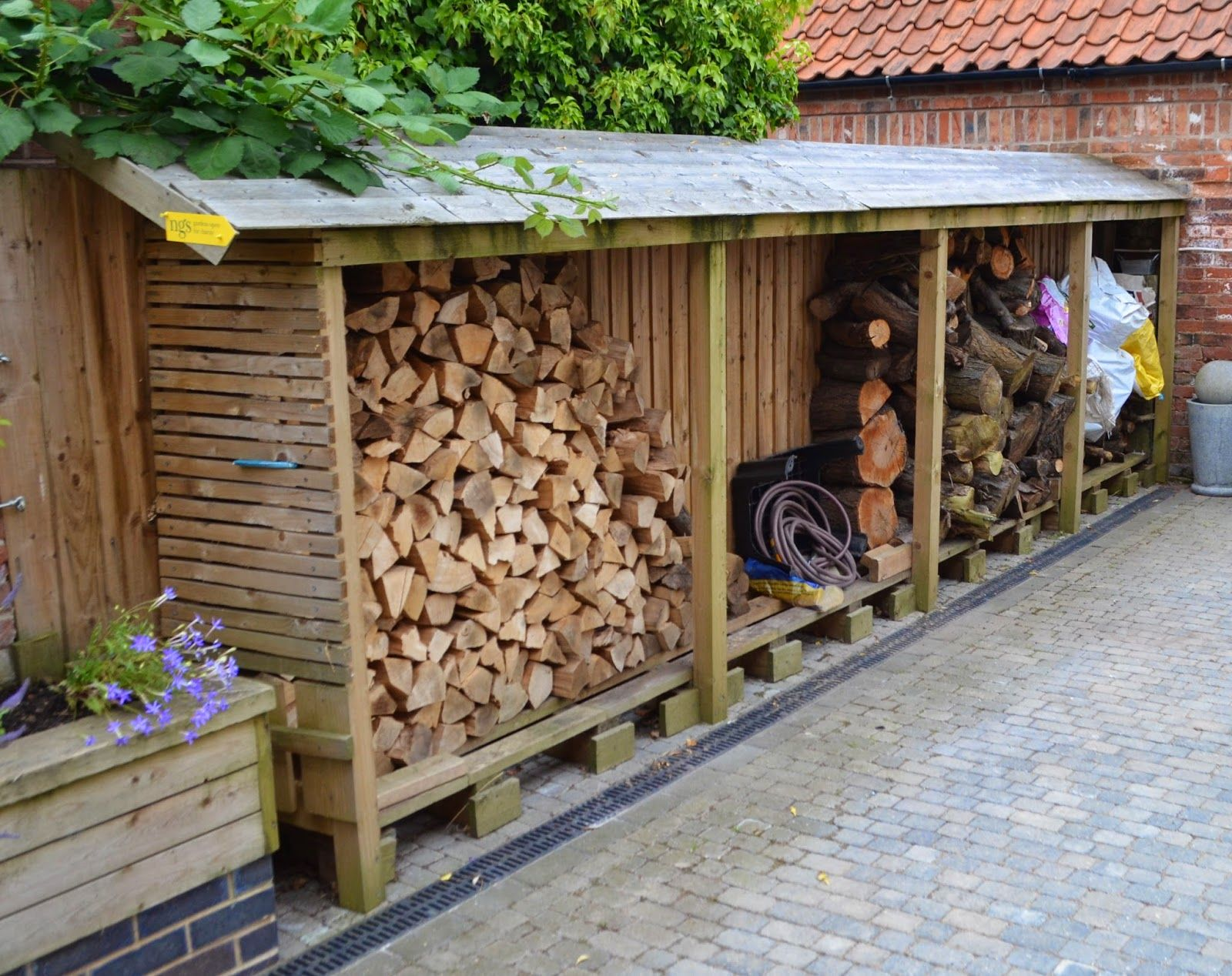 Wooden garages in nottinghamshire - Log Store At The Old Bakehouse Norwell Nottinghamshire