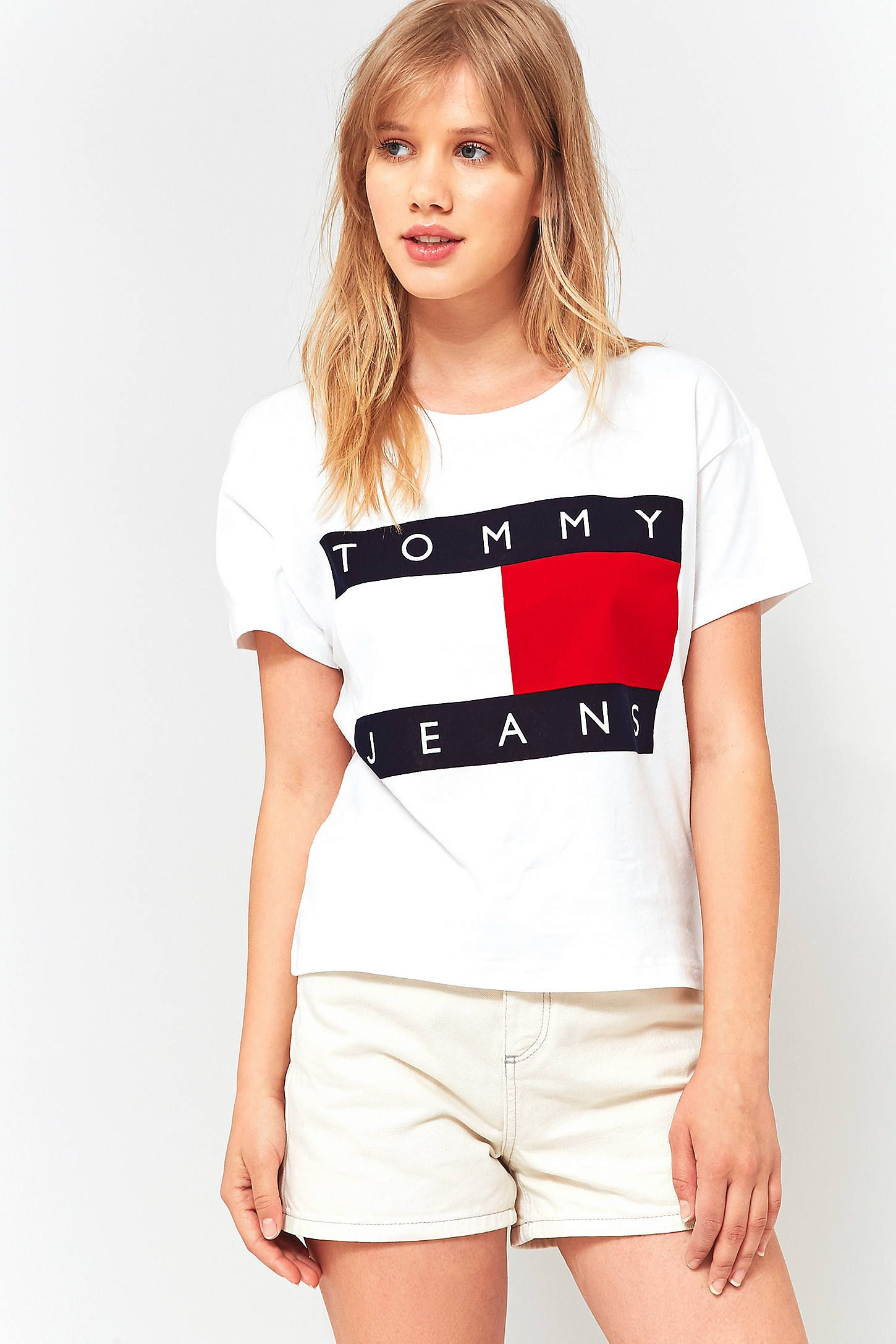 tommy hilfiger 39 90s white logo t shirt tommy hilfiger. Black Bedroom Furniture Sets. Home Design Ideas