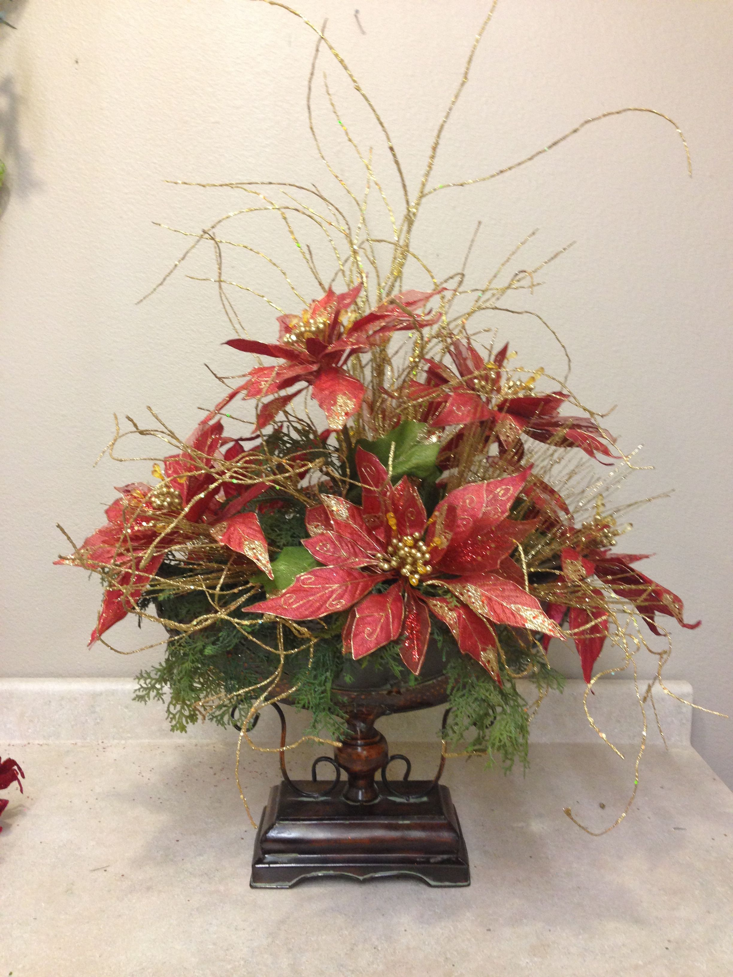 Poinsettias!! Christmas flower arrangements, Christmas