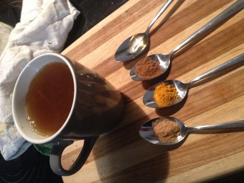 Entzundungshemmender Kurkuma Tee Aus Ingwer Kurkuma Zimt Honig Und Zitrone Kurkuma Tee Kurkuma Lebensmittel Essen