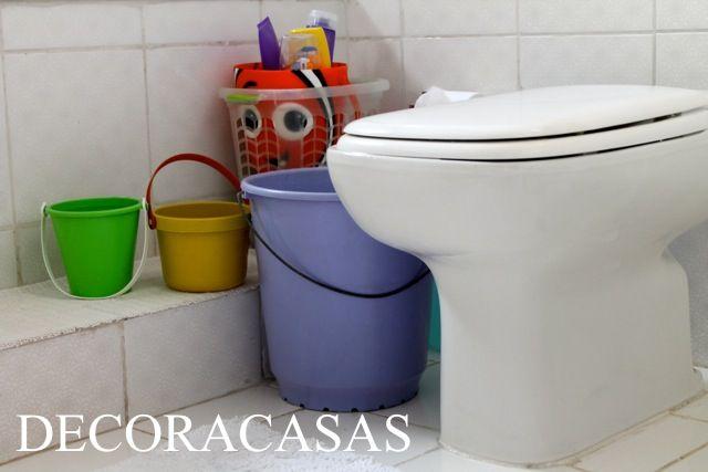 3 dicas práticas para economizar água: reutilize a primeira água do banho para a descarga do vaso sanitário. Veja mais dicas de Flávia Ferrari clicando na imagem.