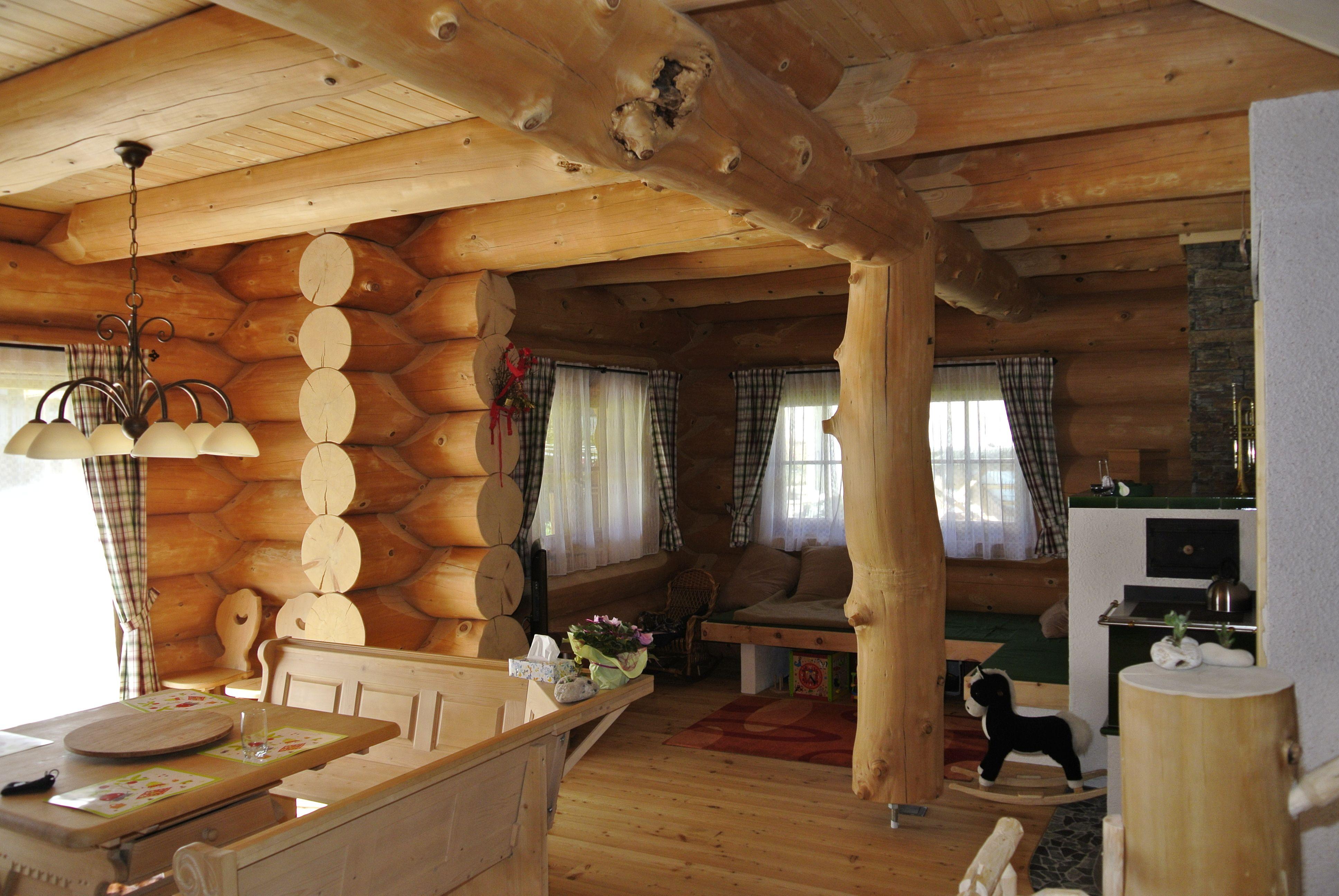 Ein Offener Wohnbereich Im Naturstammhaus