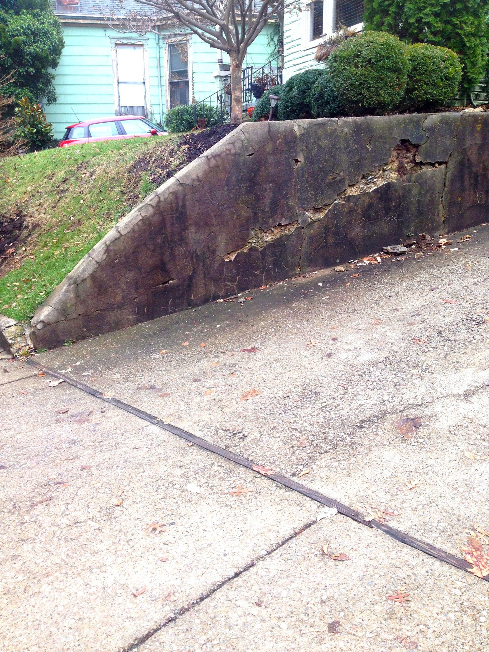 How To Inexpensively Repair A Crumbling Retaining Wall At Your Home With Images Retaining Wall Repair Retaining Wall Landscaping Retaining Walls