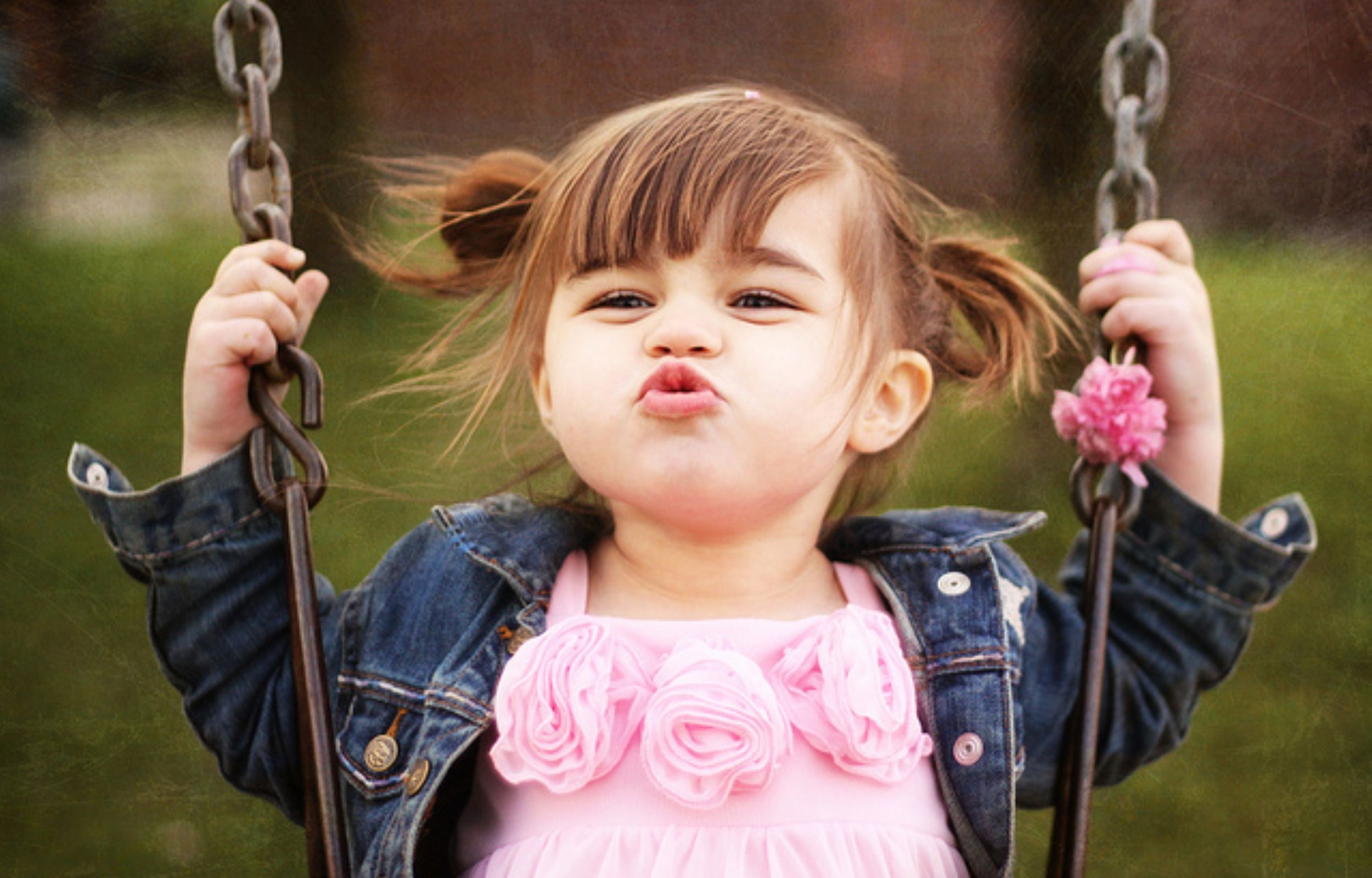 Baby Girl Cute Smiling Flying Kiss Baby Girl Pictures Cute Baby Girl Wallpaper Baby Girl Wallpaper