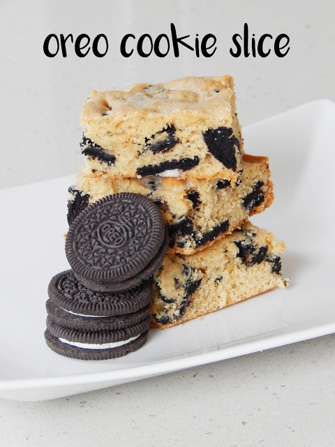 The delicious Oreo cookie slice puts a fun twist on the classic Oreo cookie. | empoweredinternetwomen