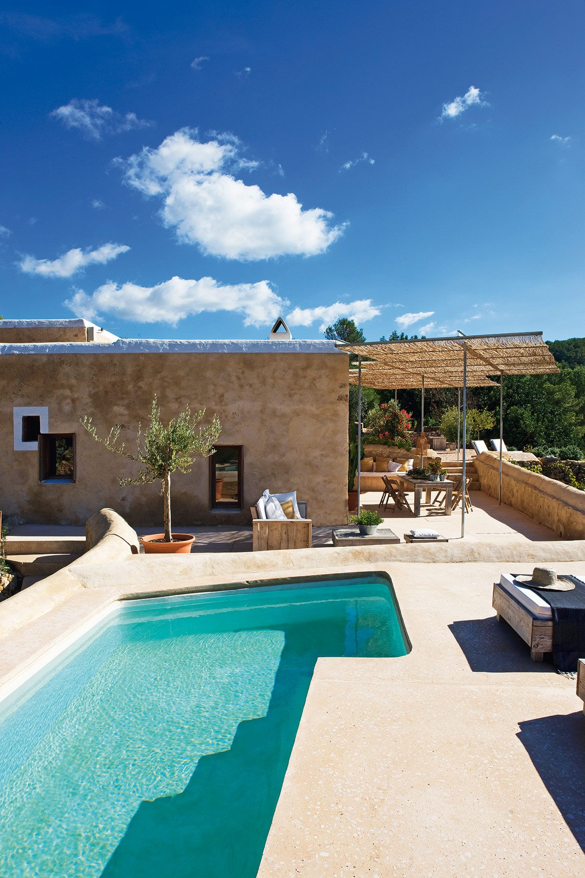 pool . outdoor . exterior . deco . home . house . piscine . terrasse ...