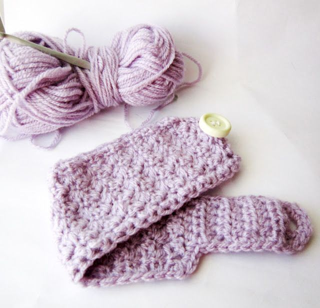 An Easy And Free Crochet Pattern To Make Your Own Cup Cozies