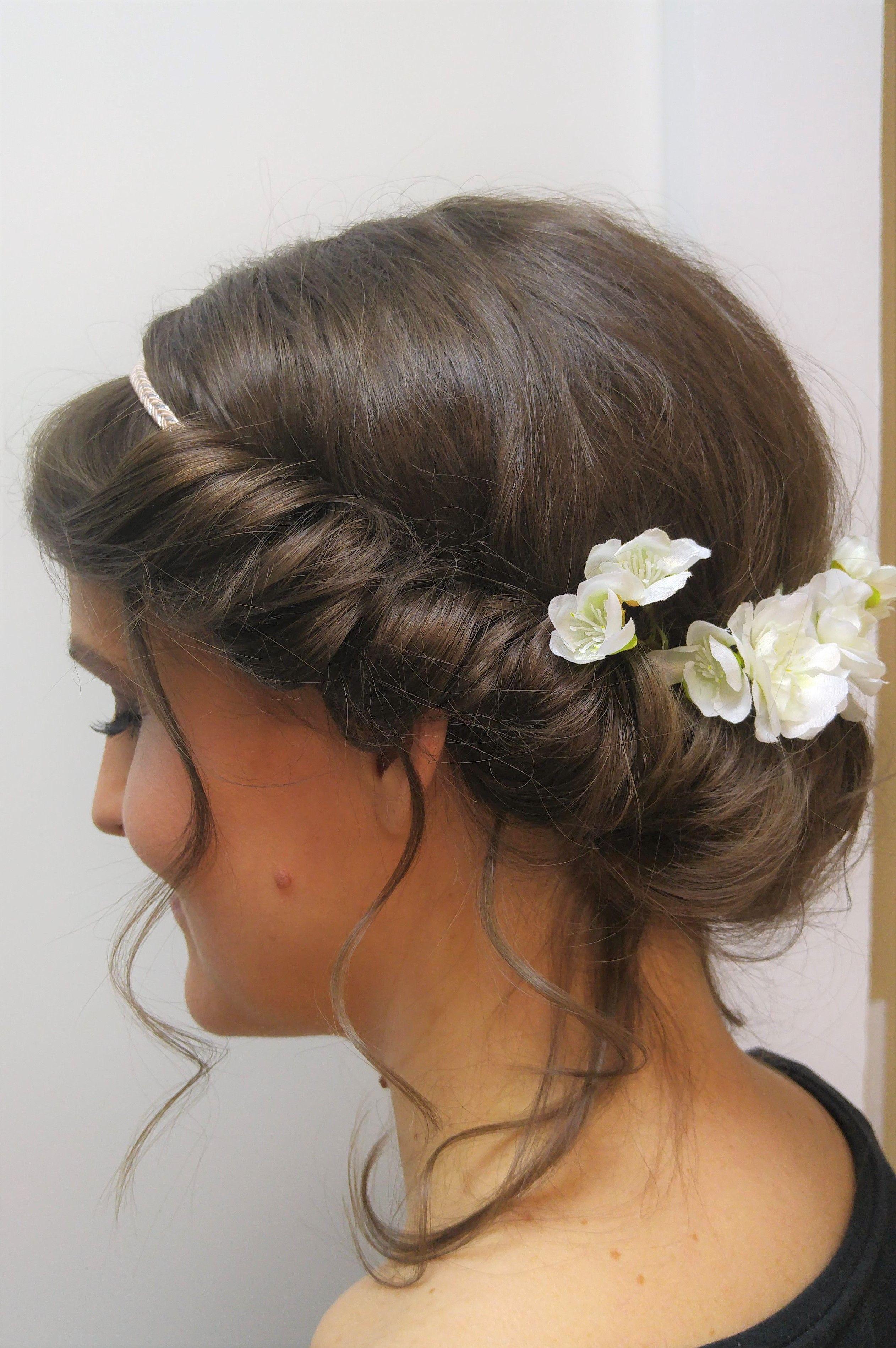 Brautfrisur Romantisch Mit Blumen Und Band Slub Band Hochzeit