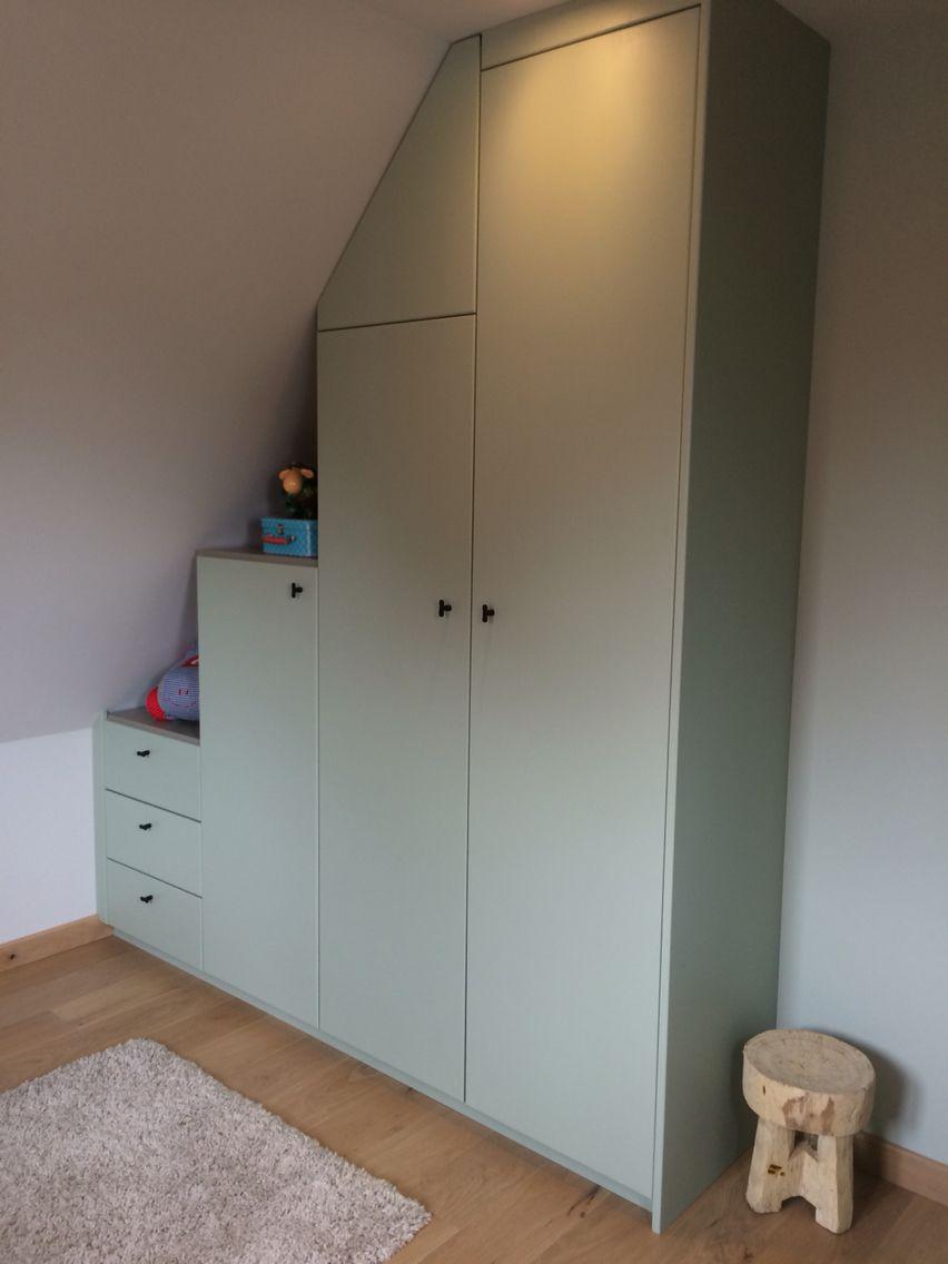 Ingemaakte kast (onder schuin dak) kamer Mill    zolder   Pinterest   Kast, Zolder en Huis idee u00ebn