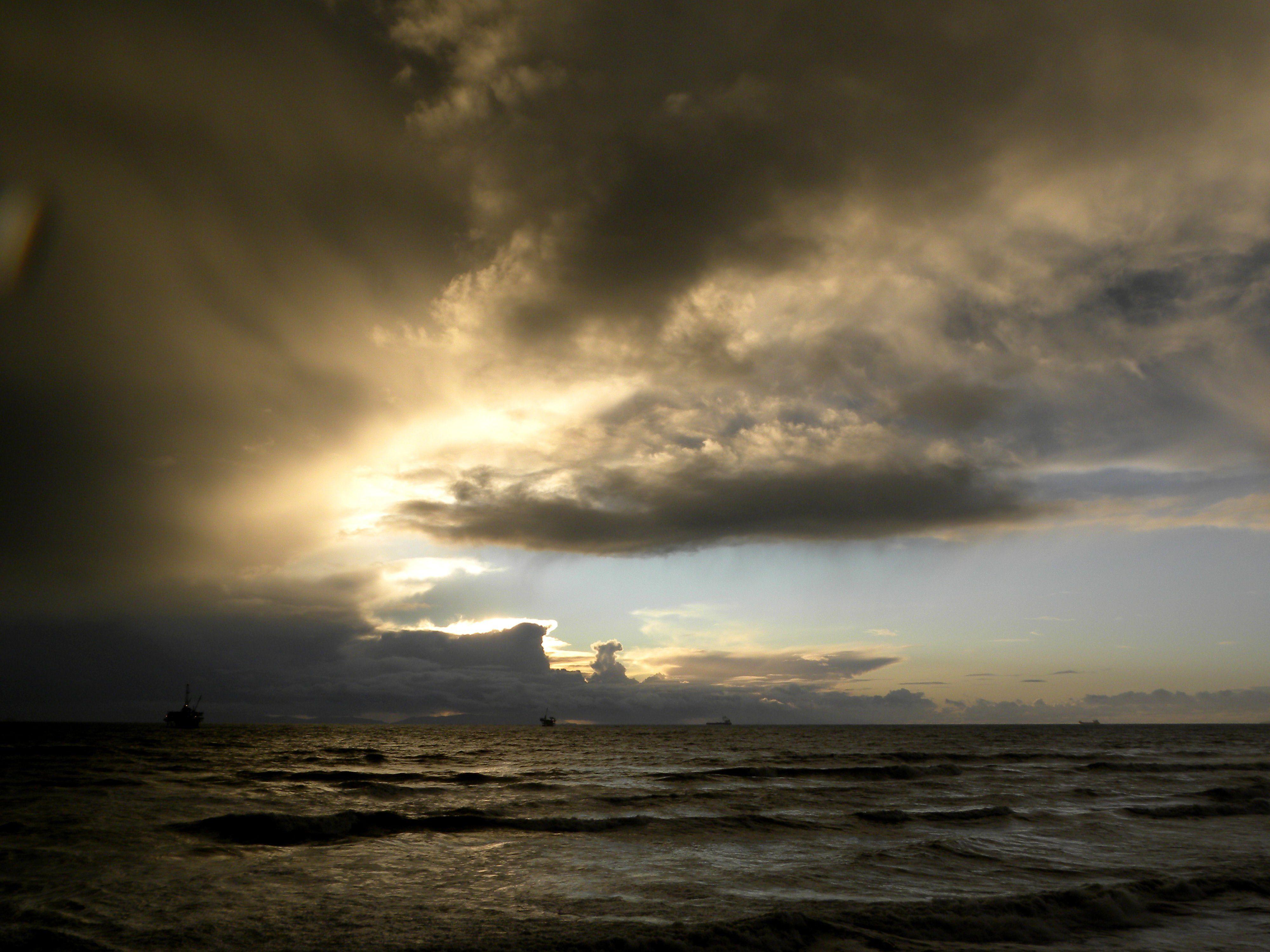 Storm Weather Rain Sky Clouds Nature Sea Ocean Landscape Sunset Sunrise Wallpaper 4000x3000 838646 Wallpaperup Ocean Landscape Clouds Sunrise Wallpaper