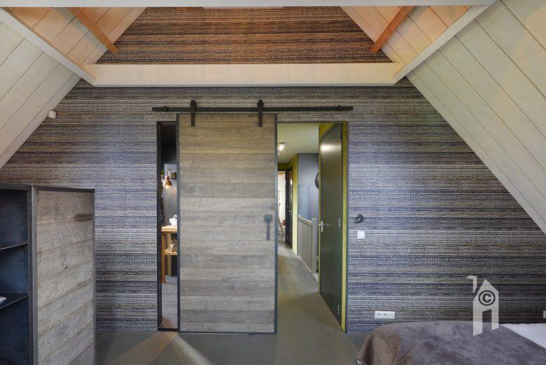 Schuifdeur in een slaapkamer #schuifdeur #slaapkamer #architectuur ...