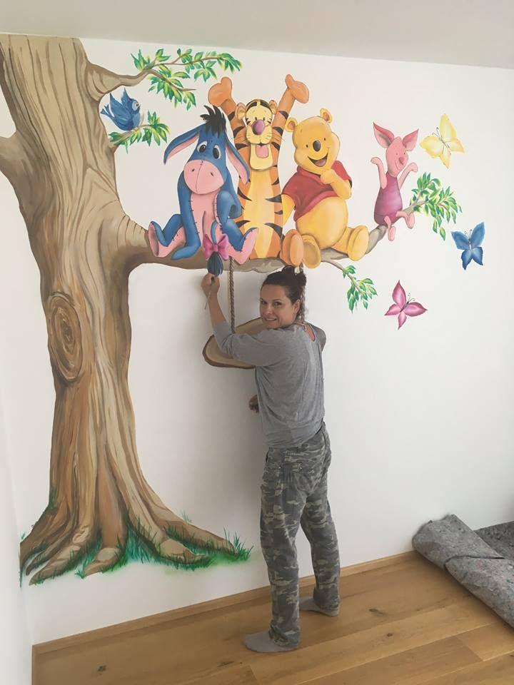 florentinische modedesignerin mit spraydose an der wand in 2019 malerei wandmalerei dessin. Black Bedroom Furniture Sets. Home Design Ideas