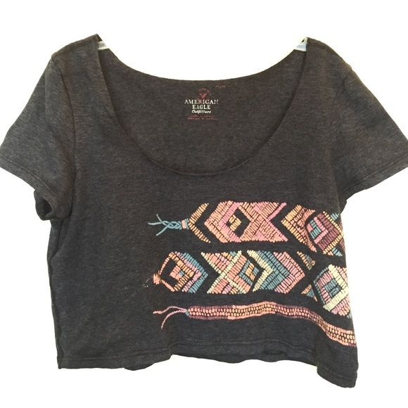Adorable crop! Worn one time American eagle crop top! Woven bracelet print! Charcoal grey with real and salmon accents American Eagle Outfitters Tops Crop Tops