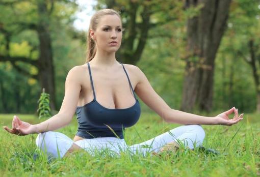 Teen meditation in bikini language 2