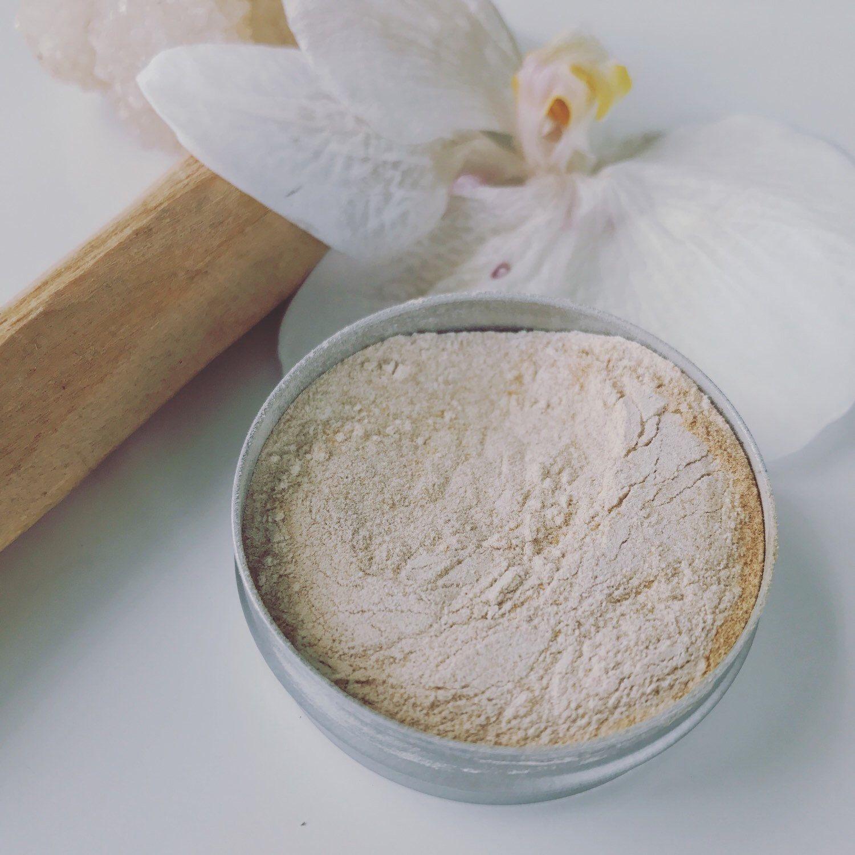 soft tan sandalwood foundation powder. sandalwood
