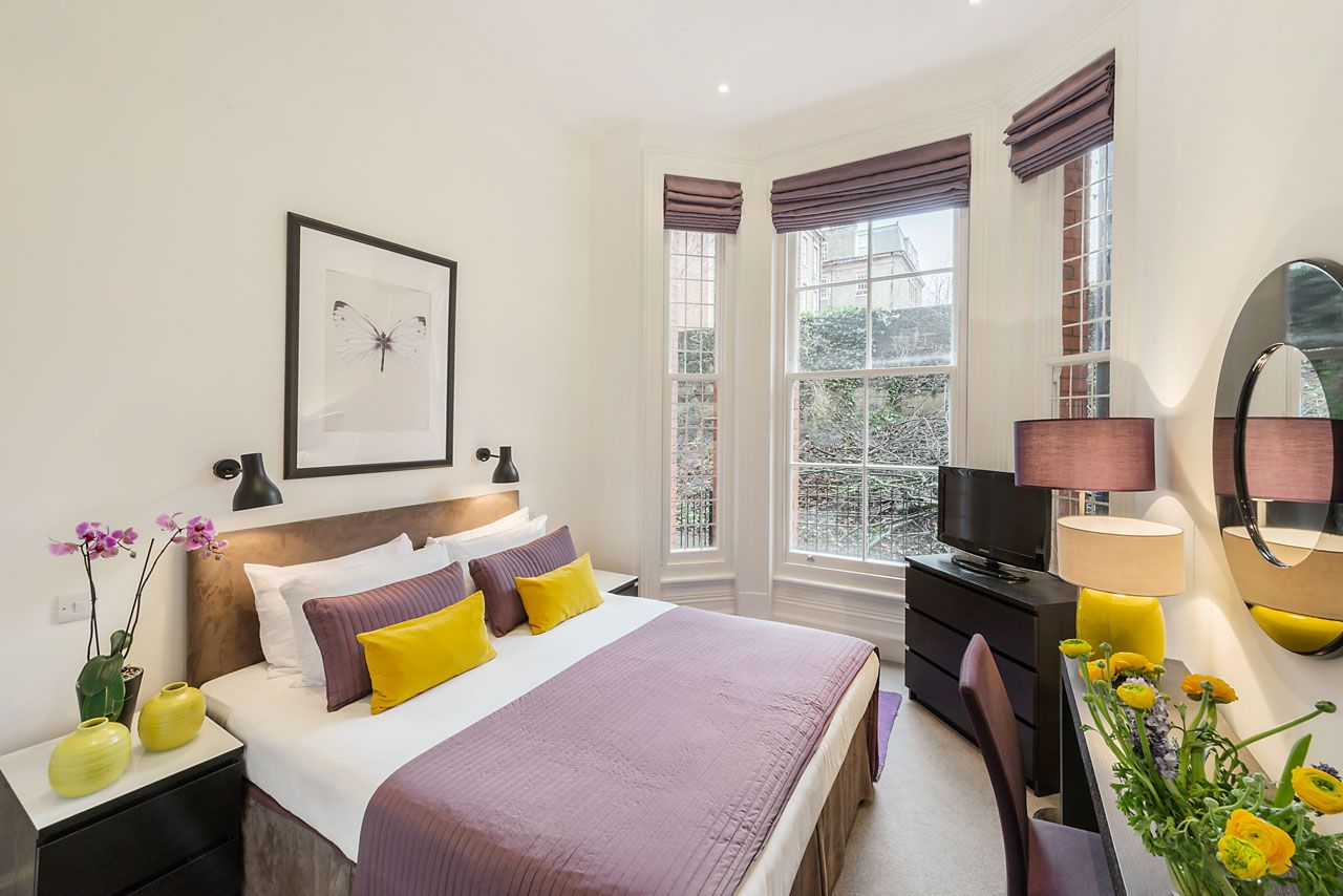 Two bedroom serviced apartment, Chelsea, London. Located seconds ...