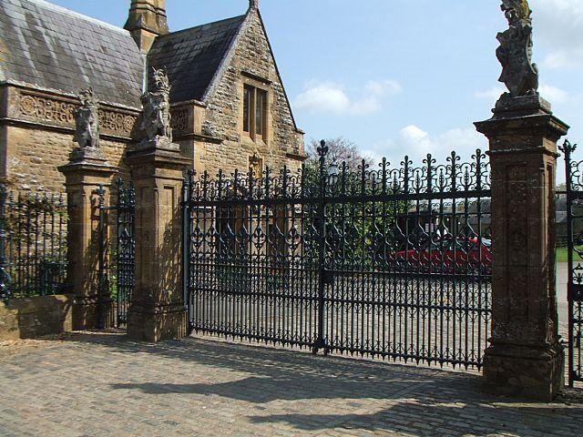 Image Result For Sherborne Castle Fence Env Wyvery College