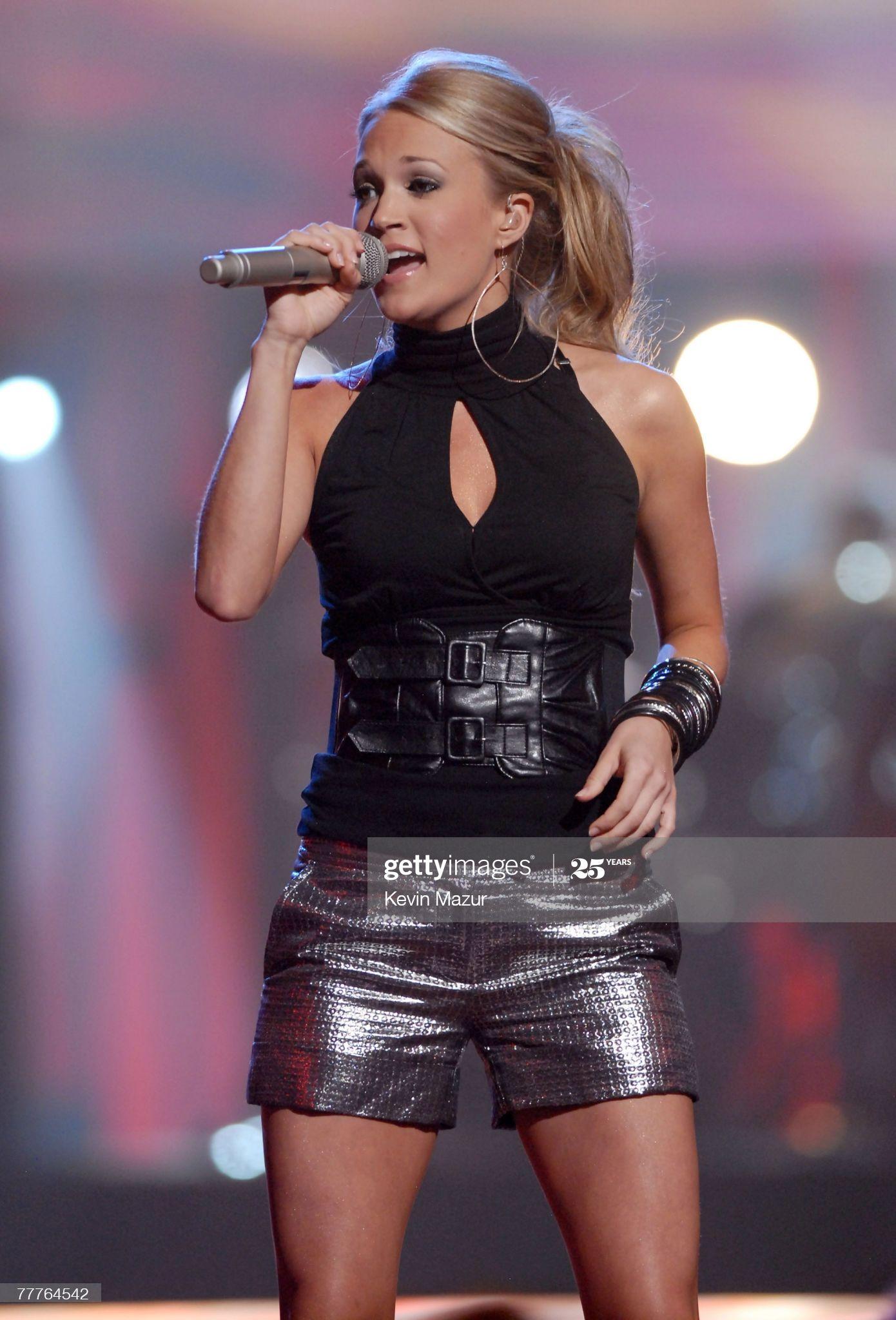 Carrie Underwood puts on leggy display in longest show