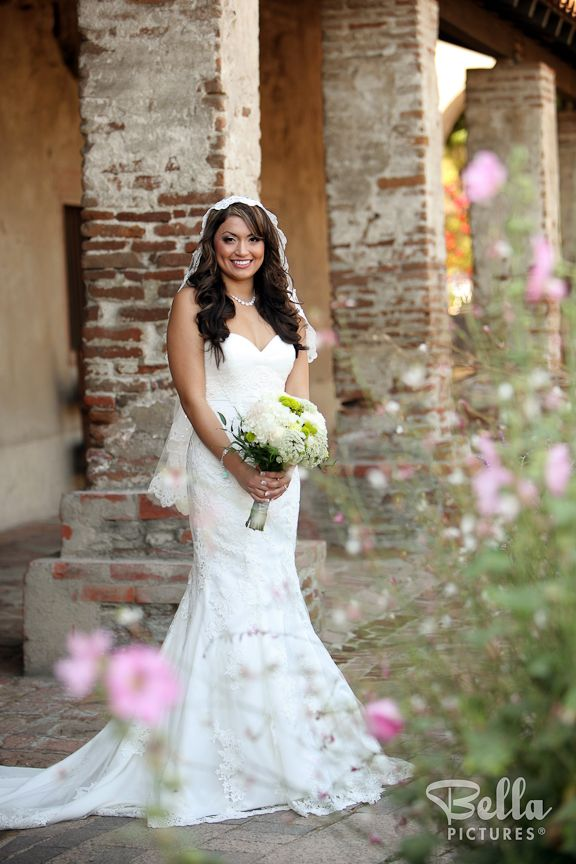 Beautiful spanish-style wedding dress | Weddings | Pinterest ...