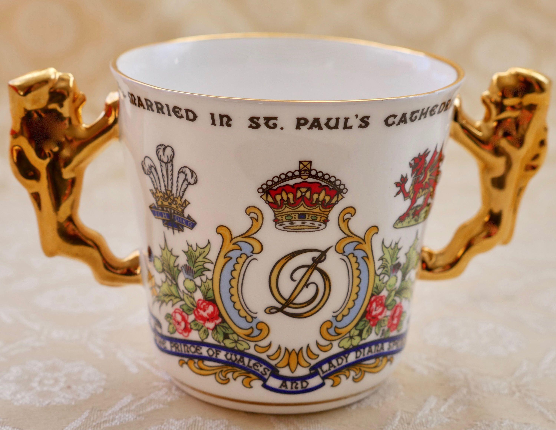 Paragon China Vintage Loving Cup Gilt Lion Handles Royal Wedding 1981 Princess