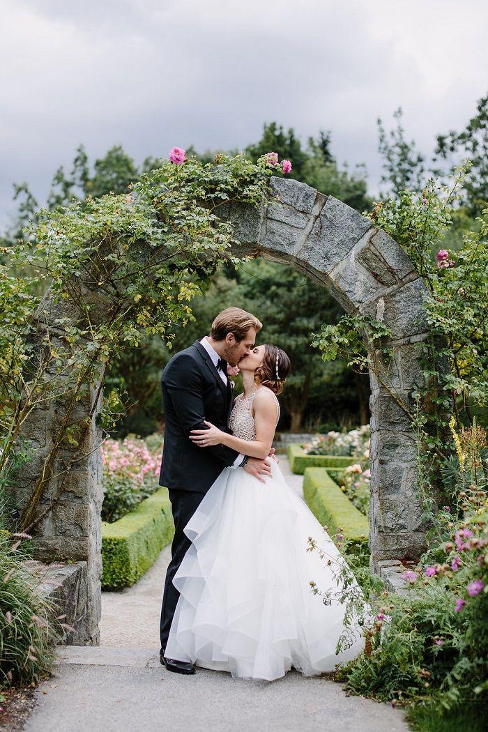 Bride and Groom wedding photo idea   Fab Mood