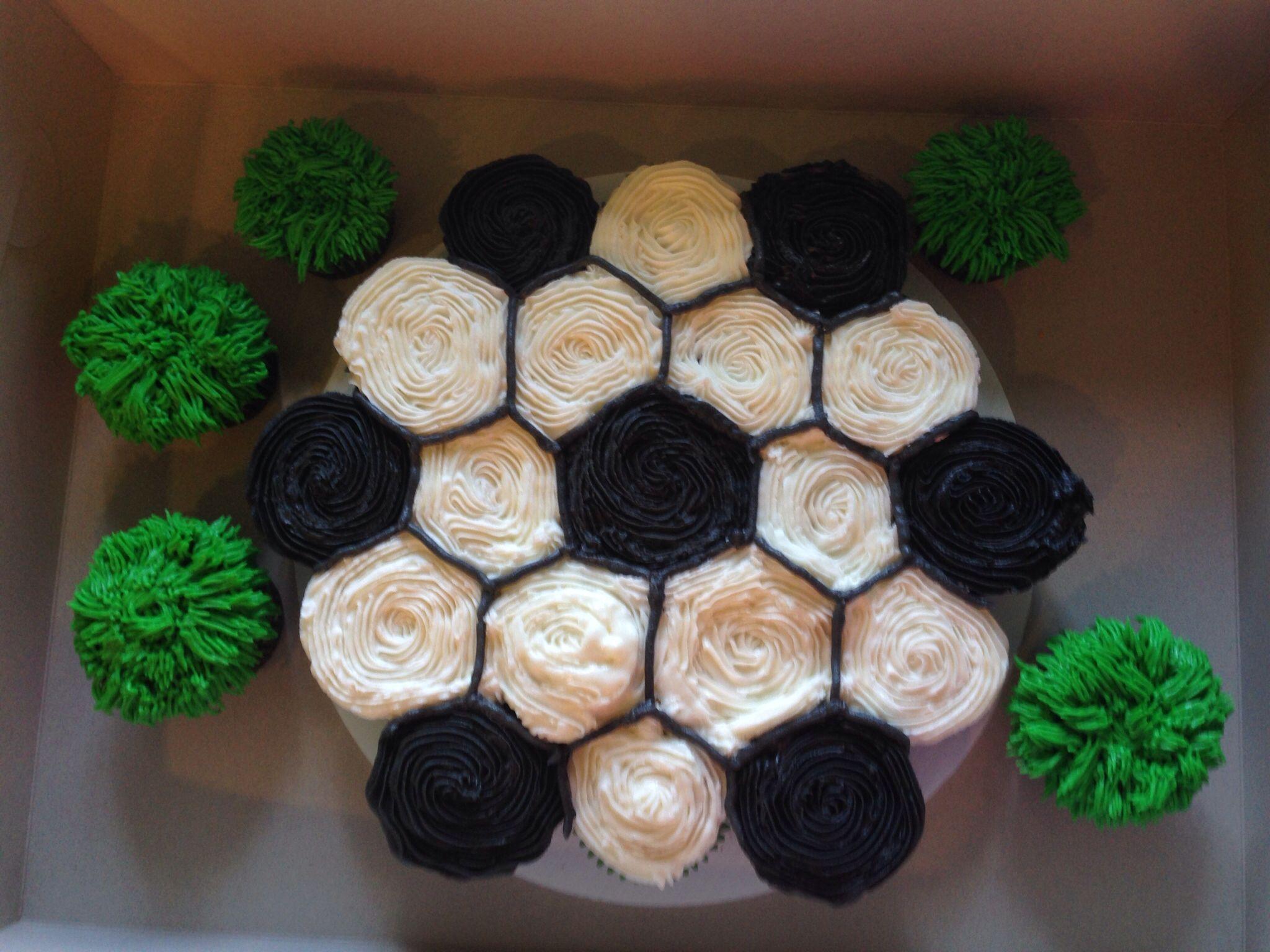 Soccer cupcakes. Desserts I ve made. Pinterest ...