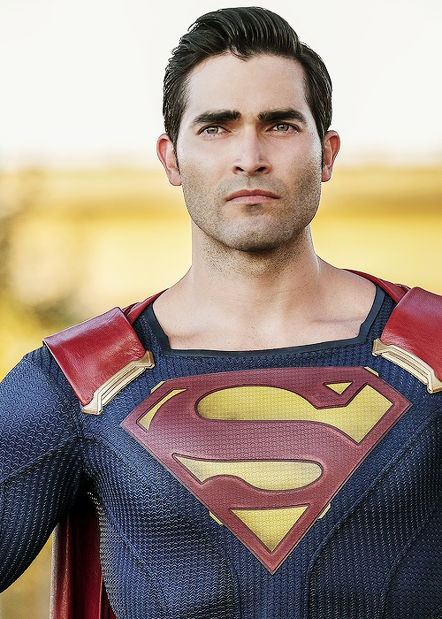 Tyler Hoechlin, Superman in Supergirl Season 2 premier