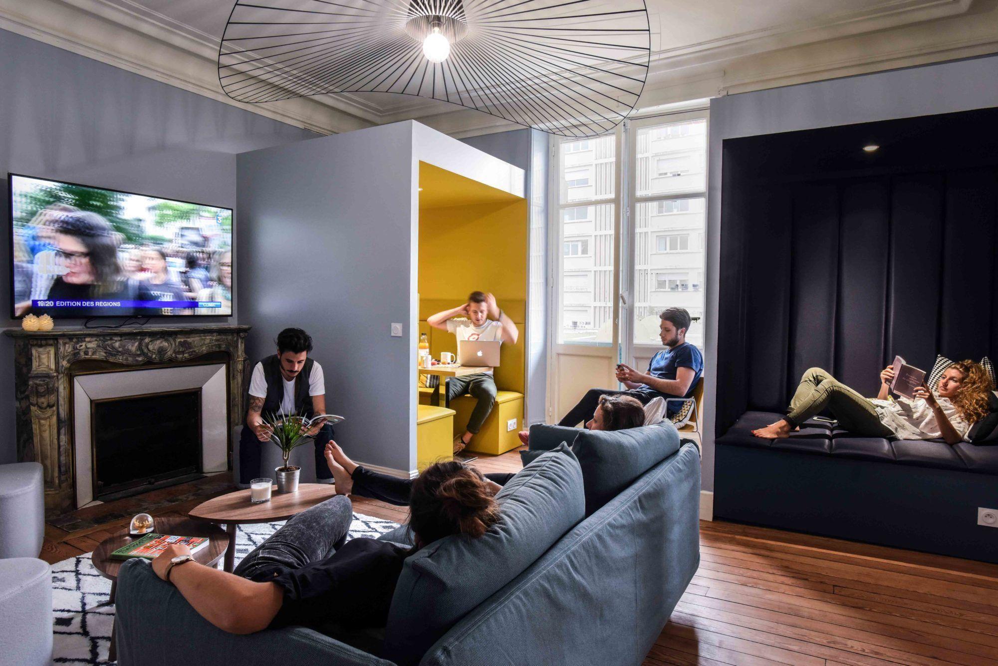 Resultat De Recherche D Images Pour Lime Living Space Bayonne Colocation Location Appartement Mobilier De Salon