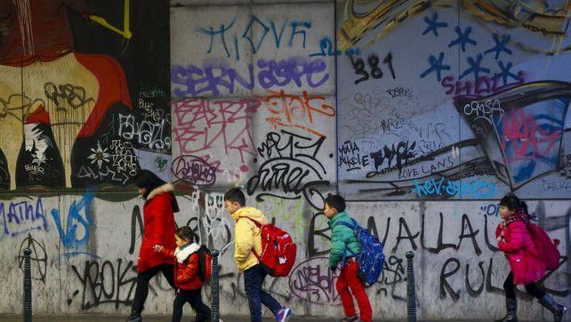Opinie: Het Vlaanderen van vandaag, ook in het onderwijs, is multicultureel en multireligieus, deal with it | Opinie | De Morgen