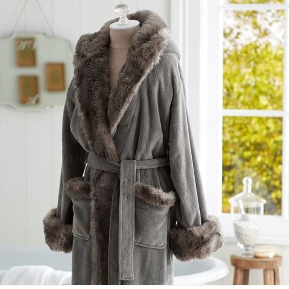 1defd9886a Pottery Barn Cozy Faux Fur Robe Super soft and warm