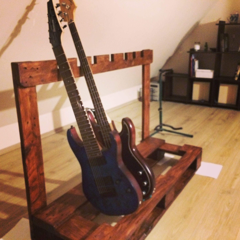 12 Diy Old Pallet Stairs Ideas: Guitar Stand, Guitar Rack, Guitar
