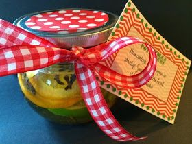 Marci Coombs: Christmas Neighbor Gifts: Potpourri in a Jar.