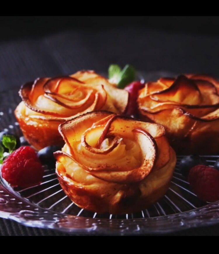 Thanksgiving Desserts - Taste made Apple Cream Cheese Rose Tarts