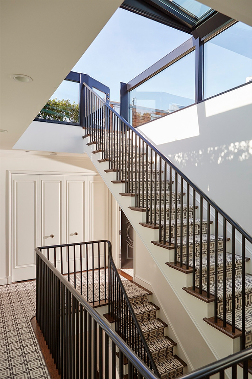 Best Amazing Staircase Is Dressed In A Gray Chainlink Stair 640 x 480