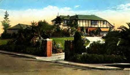 Helen Mack's Last Residence in Beverly Hills at the time of her death. She lived with the famous author/screenplay writer Aleen Leslie. The house belongs to Aleen, and has had a very interesting history. LOOK Magazine Featurette August 26, 1941