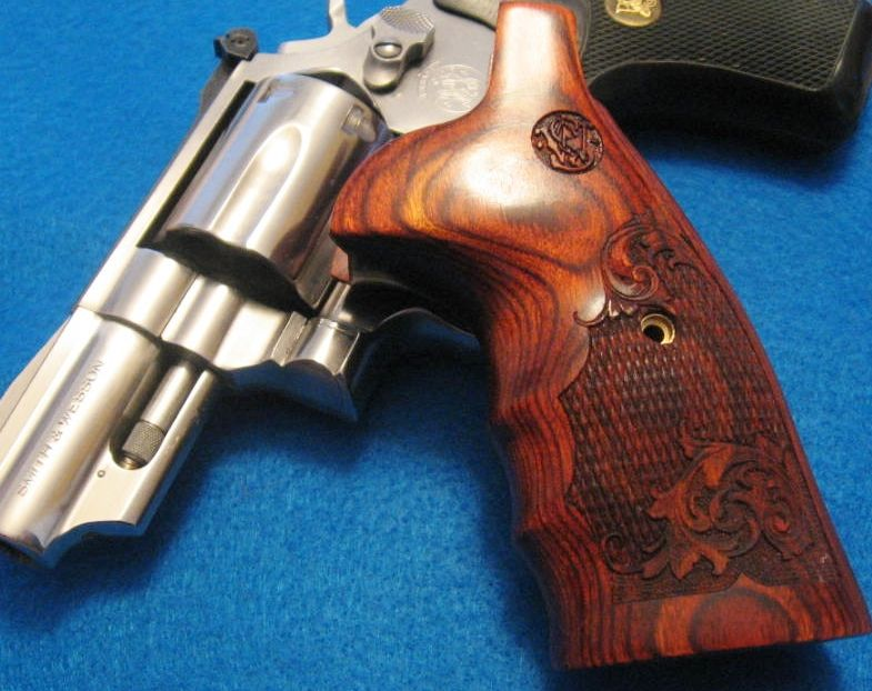 Smith & Wesson K frame - Combat engraved Rosewood grips. PLEASE ...